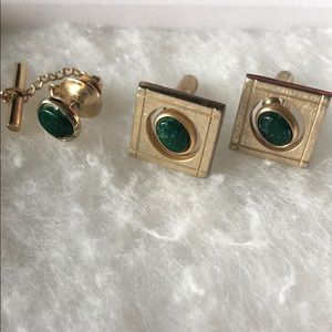 Vintage Mid-Century Gold & Green Stone Cuff links